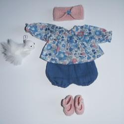 tenue de poupée